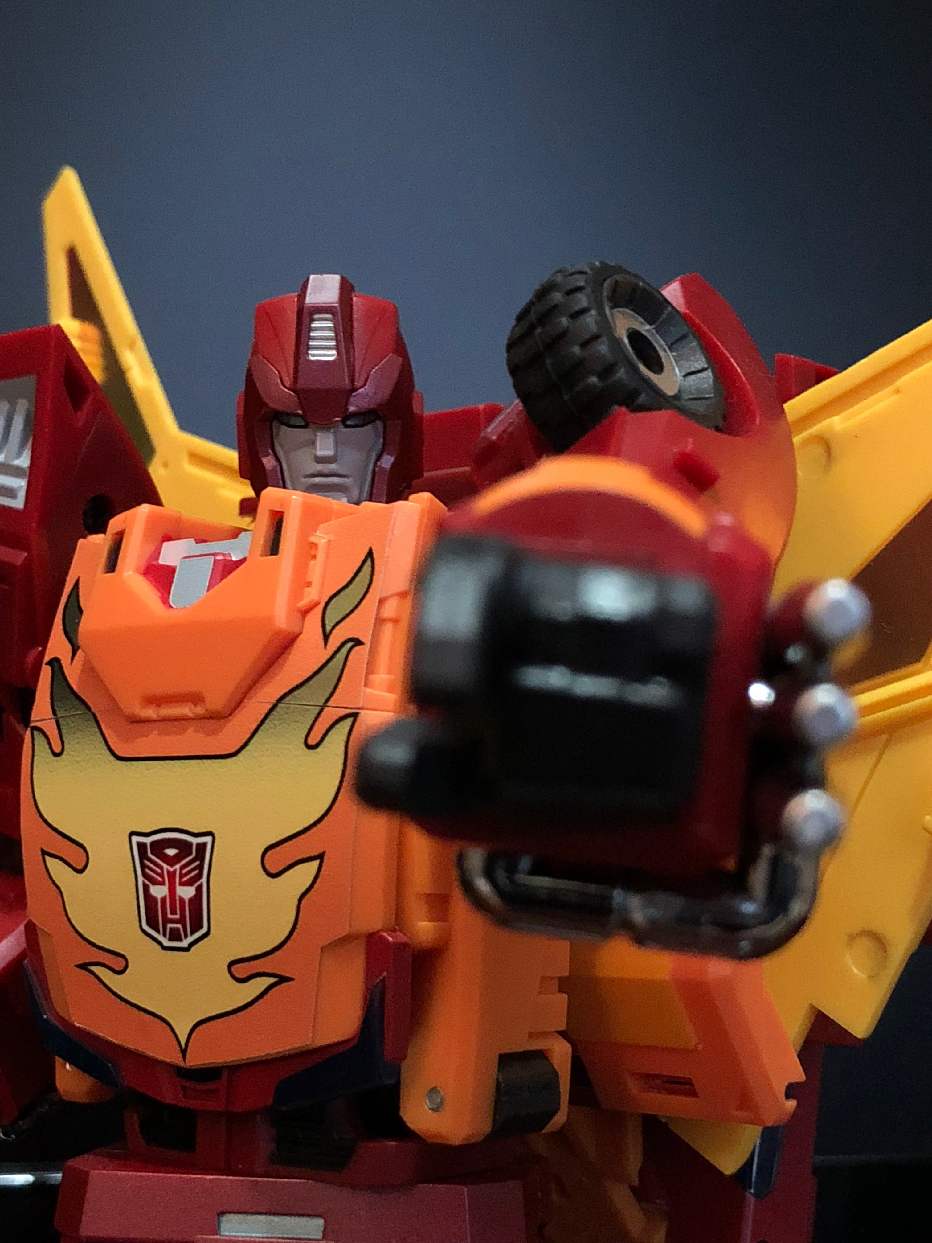 Masterpiece scale Rodimus Prime in the Studio Ox style, aka DX9 Carry